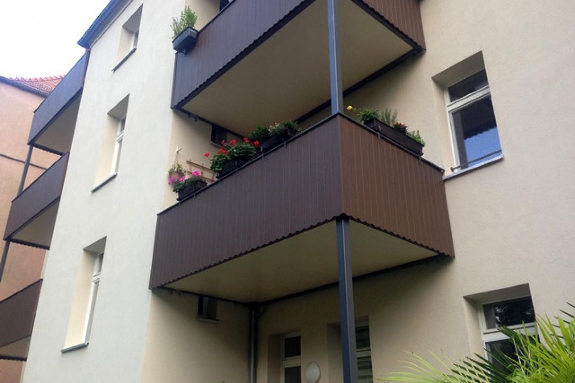 HAHNEMANN-2_Balkone-Rueck